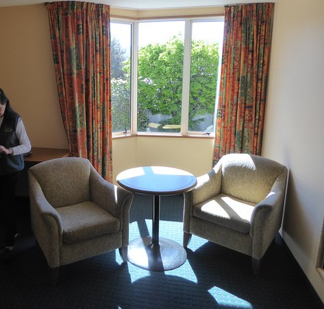 Distinction Luxmore Hotel Lake Te Anau: Room Sitting Area