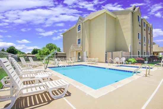 Claremore, OK: Outdoor Pool