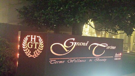 Hotel Grand Torino: 20161208_210429_large.jpg