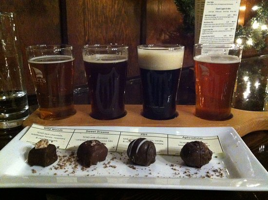 Spinnakers Brewpub and Guesthouses: Famous beer/truffle pairing.