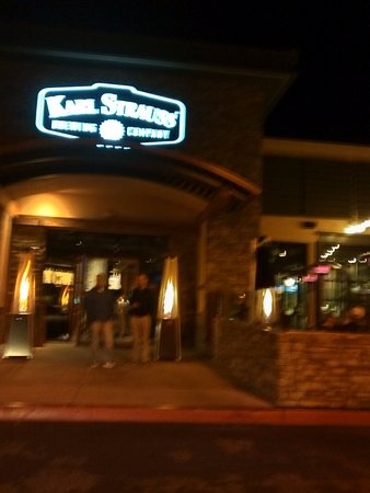 Karl Strauss Brewing Company: An outdoor patio to the right of the entrance