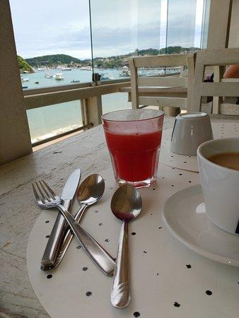 Nomad Buzios Seashore Hostel: Comedor