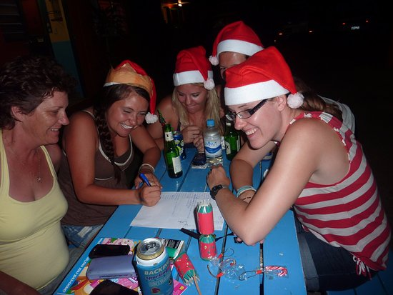 JJ's Backpackers Hostel: Christmas Eve BBQ & Quiz