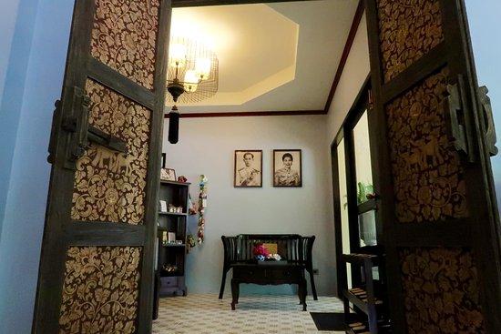 Oriental Kwai Resort: Lobby massage