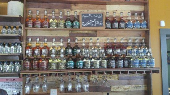 Woodbury, Tennessee: Short Mountain Distillery