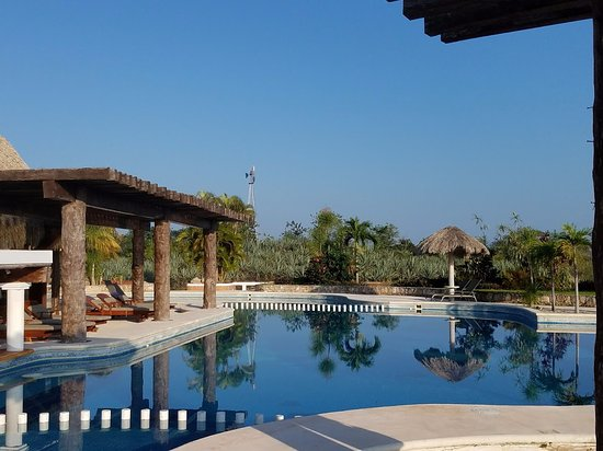 Tecoh, Mexico: the pool and breakfast room
