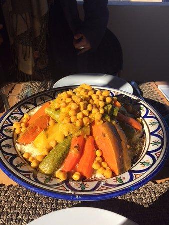 Riad Anata: Vegetarian couscous with delicious cinnamon raisons