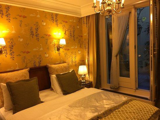 Hotel Estherea: Standard inside room