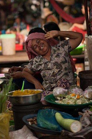 Peace of Angkor Tours: Vendor posing at Damdek Market