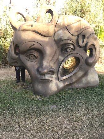 Wirikuta Garden: Beautiful statues!