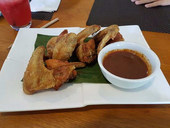 Belum Rainforest Resort: Fried chicken wings at Hornbill Restaurant