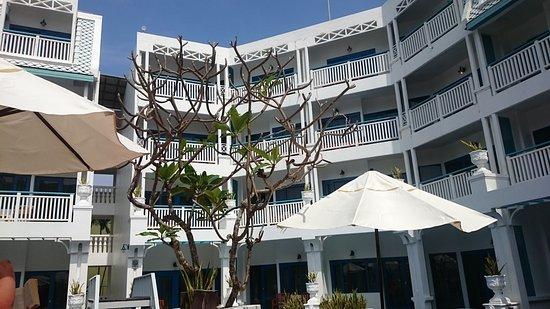 Andaman Seaview Hotel: IMG-1481693984122-V_large.jpg