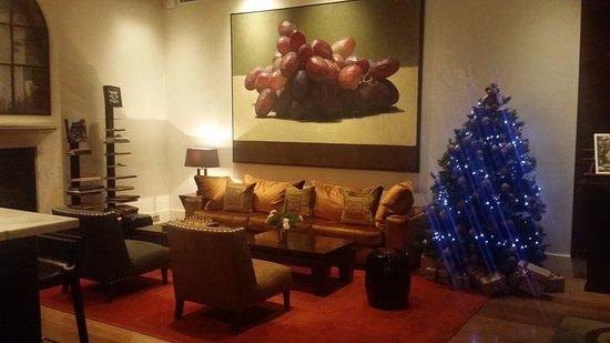 โรงแรม ลินดรัม เมลเบิร์น - เอ็มแกลเลอรี่ คอลเล็คชั่น: Back half of lobby