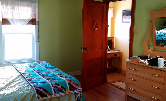 The Maven Gypsy Bed & Breakfast & Cottages: Room interior
