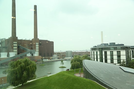 The Ritz-Carlton, Wolfsburg: In the left, the factory. In the right, the hotel.
