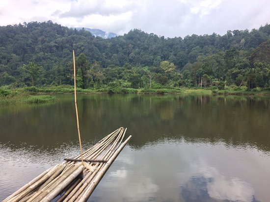 ‪Situ Gunung Lake‬