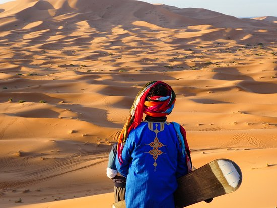 Sahara Aventures Travel -Day Tours : Sand boarding in the morning