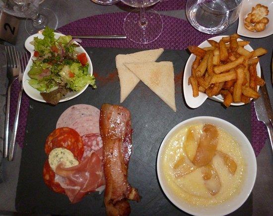 La Roche Chalais照片