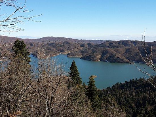 Kastro: Η λίμνη