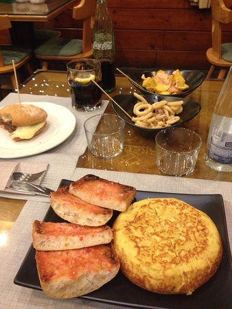 Llanars, Hiszpania: el único fallo, q la camarera no me avisara de q la tortilla era tan grande y no sólo un trozo.