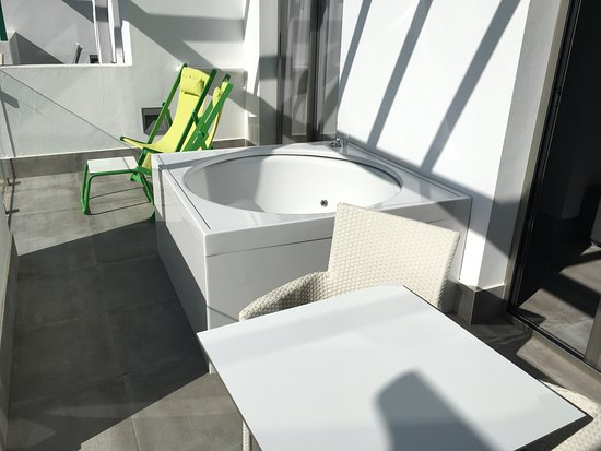 Barcelo Teguise Beach   Adults Only: Balkon Mit Jacuzzi Der Junior Suite