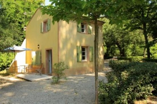 Chateau du Martinet : Gites a louer / Lodge for rent