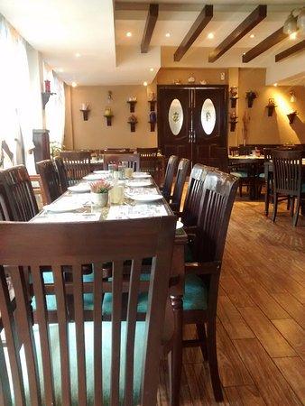 The Kettle House Restaurant: sitting area