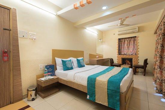 Neelkiran Hotel Photo
