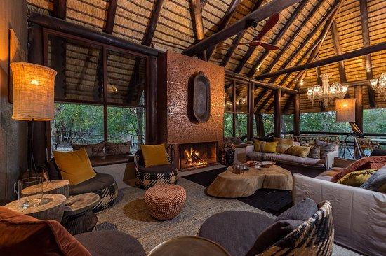 Sabi Sabi Little Bush Camp : Little Bush Camp Lounge Area
