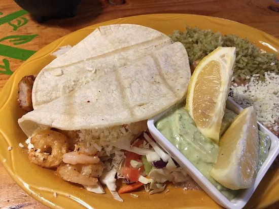Fish taco and shrimp taco platter - Picture of Oaxaca Restaurant ...