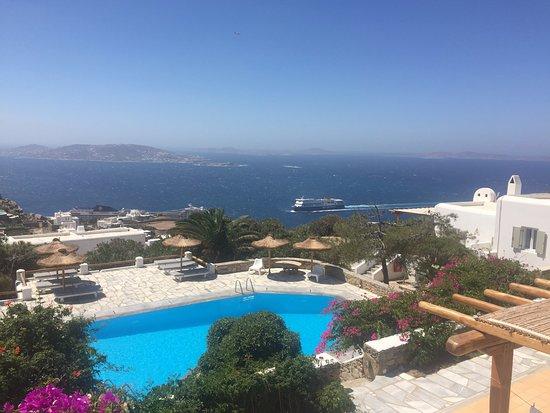 Agnandi Homes and Studios: vista piscina
