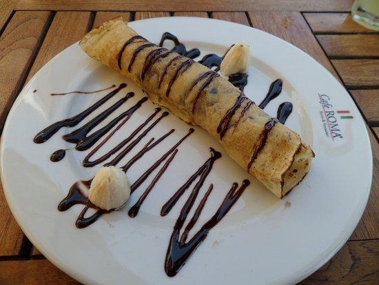Cafe Roma: Banana and chocolate pancake, yum!