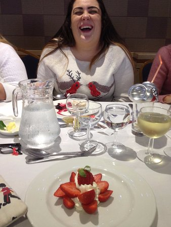 Ambassadeur: My strawberries and cream was delicious, as well as everything else. Highly recommend 4 Club fun