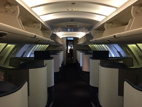 747 Upper Deck - my favourite seats - Picture of Delta Air ...