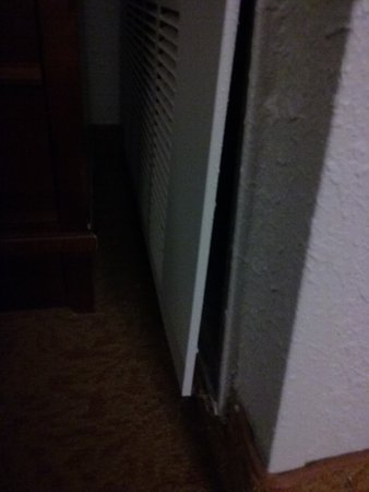 Country Inn & Suites By Carlson, Georgetown: AC / Heat Unit Falling Off of Wall