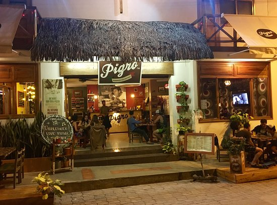 Where to Eat in Ayangue: The Best Restaurants and Bars