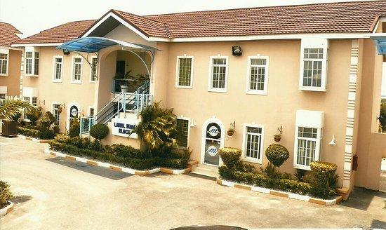 Madugu Hotel & Luxury Apartments