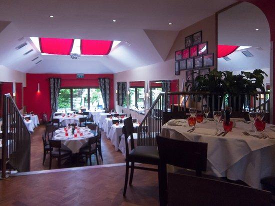 Prima Donnas: Restaurant