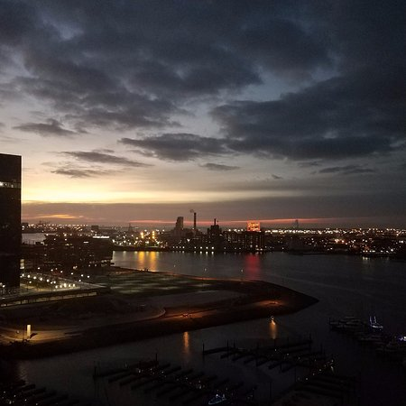 Four Seasons Baltimore: View over the Baltimore Harbor