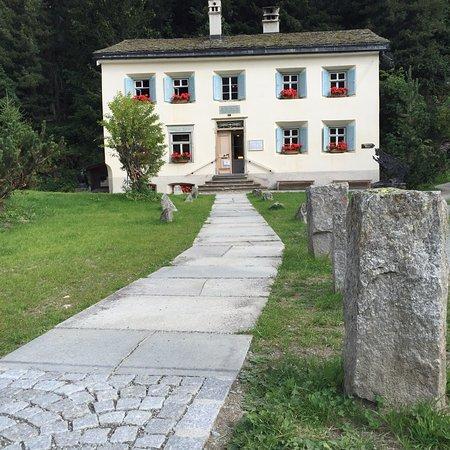 Nietzsche-Haus: Der Zugang zum Nietzschehaus
