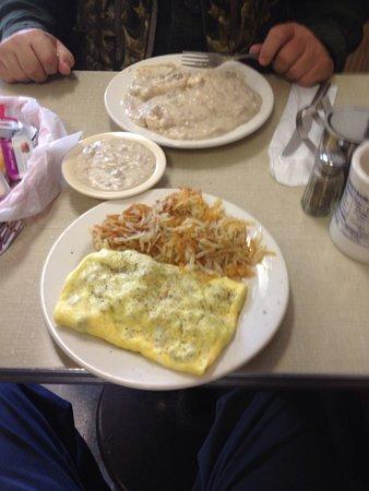 Robbins, Kuzey Carolina: Little Village Restaurant