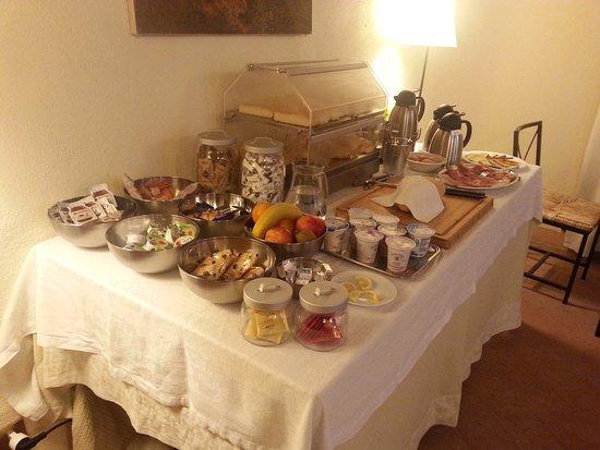 Locanda Petrella: buffet colazione