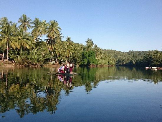 Loboc River Resort: The school boat