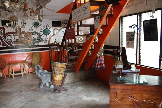 Marleys Guesthouse: The reception to go to the rooms