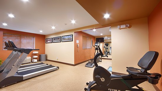 Sharon, MA: Fitness Room
