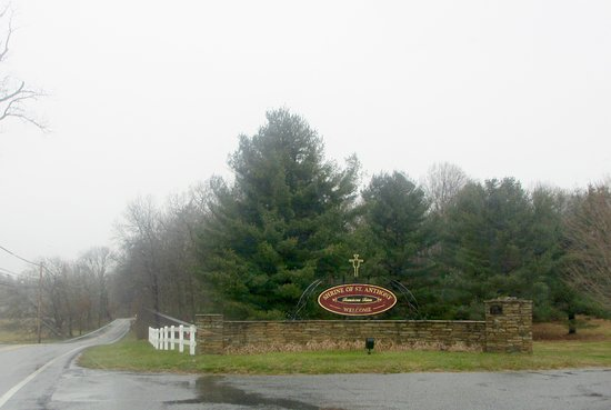 Ellicott City, MD: Entrance to the Shrine of St Anthony complex