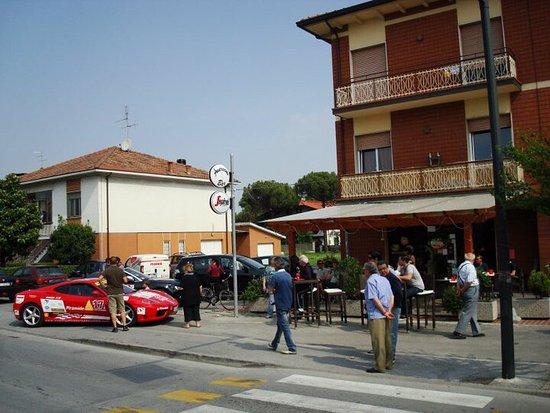 Gatteo, Italie : Il nostro bar nel mezzo della MilleMiglia