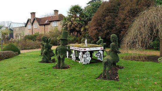 Wonderful Beaulieu National Motor Museum: Alice And Wonderland Garden