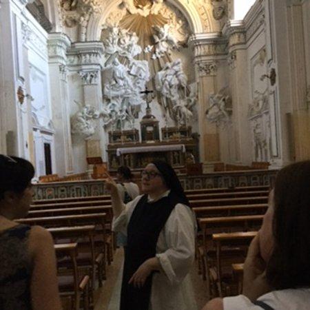 Abbazia di Santo Spirito: Sorella Maria Gabriela - explaining the history