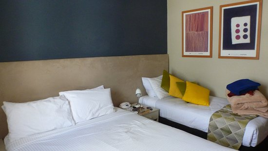 The Statesman Hotel : great and comfortable bed